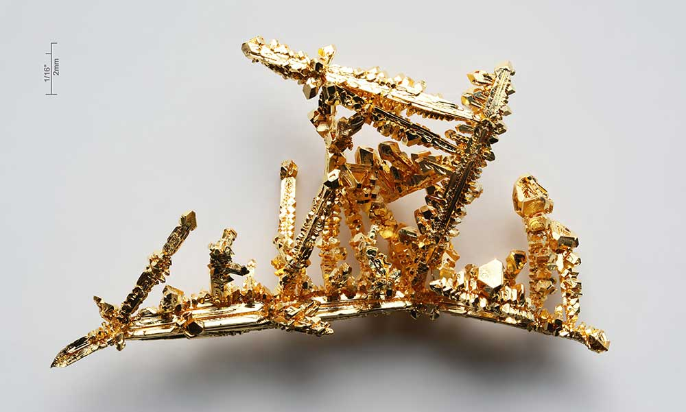 Original image from https://en.wikipedia.org/wiki/File:Gold-crystals.jpg
