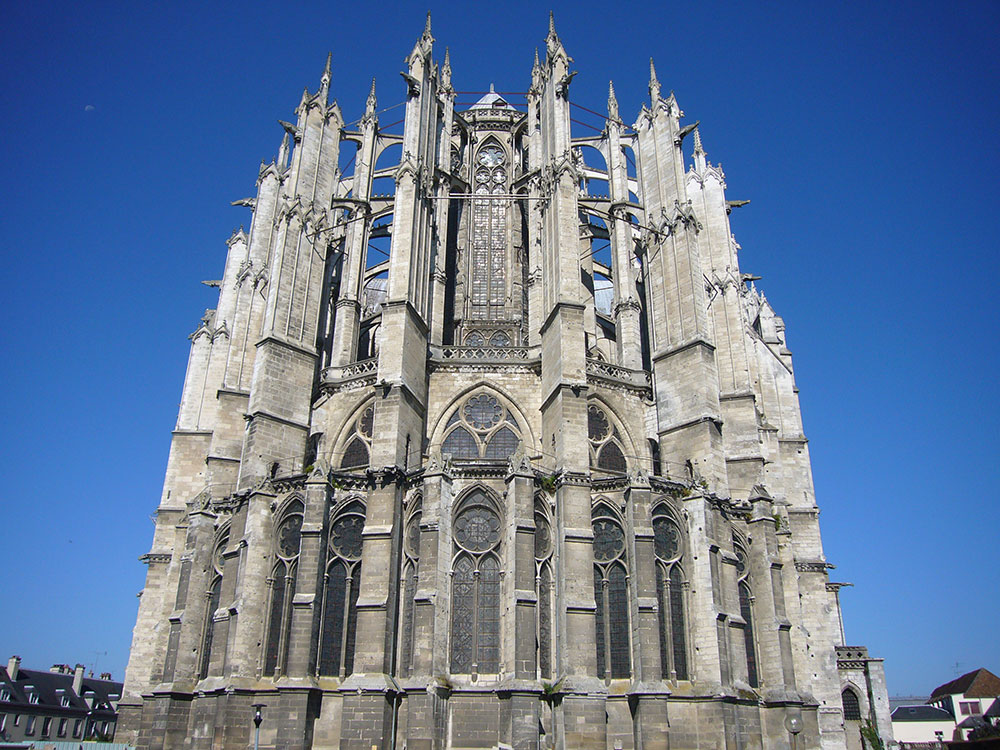 Original image from https://en.wikipedia.org/wiki/File:Beauvais_1.JPG