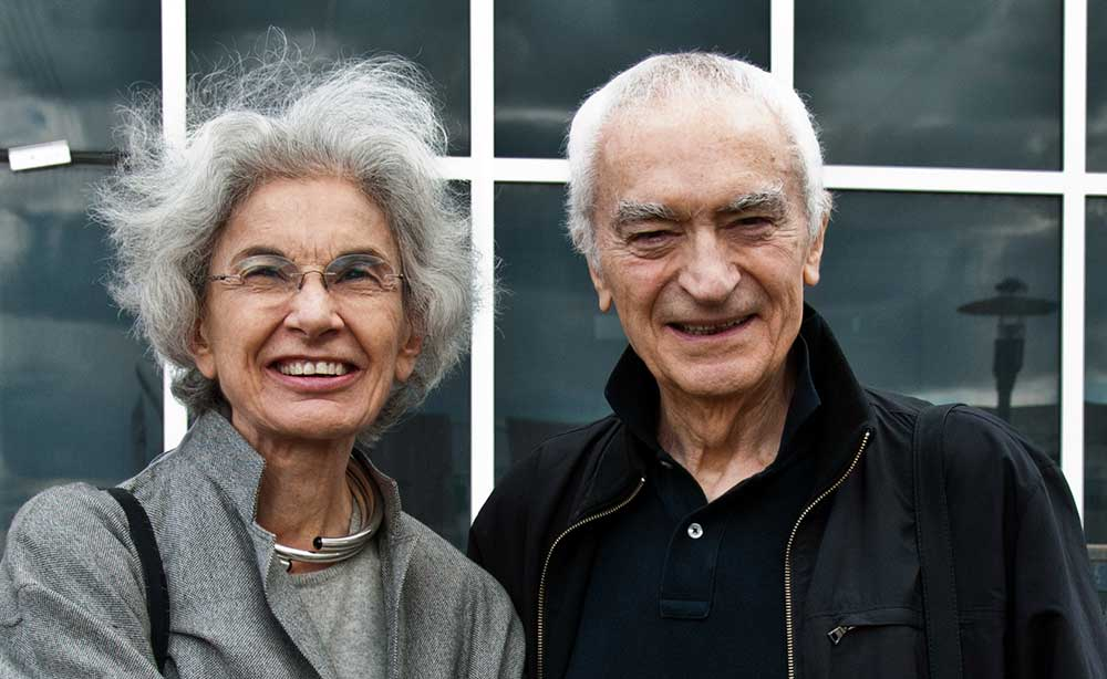 Original image from https://en.wikipedia.org/wiki/Massimo_Vignelli#/media/File:Vignelli_Center_RIT.jpg